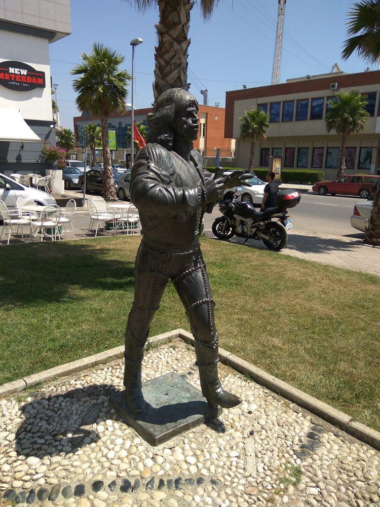 Пам'ятник Джагеру :)