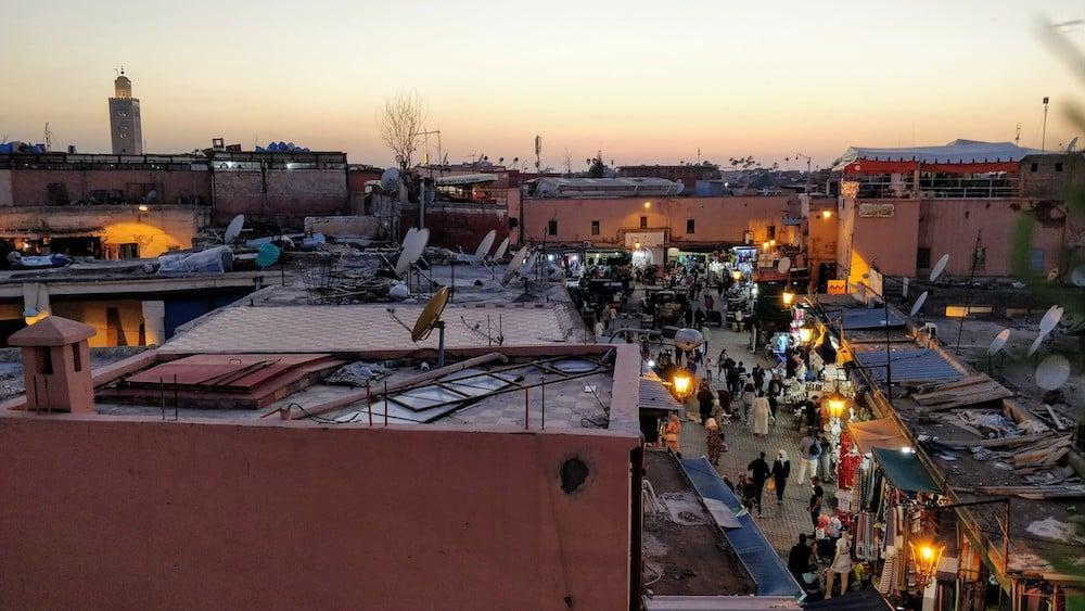 Вигляд на ринок Марракешу з тераси